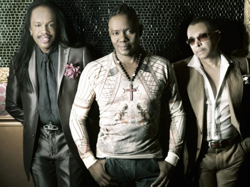 Earth-Wind-Fire-2012-press_admat-shot2-1024x768